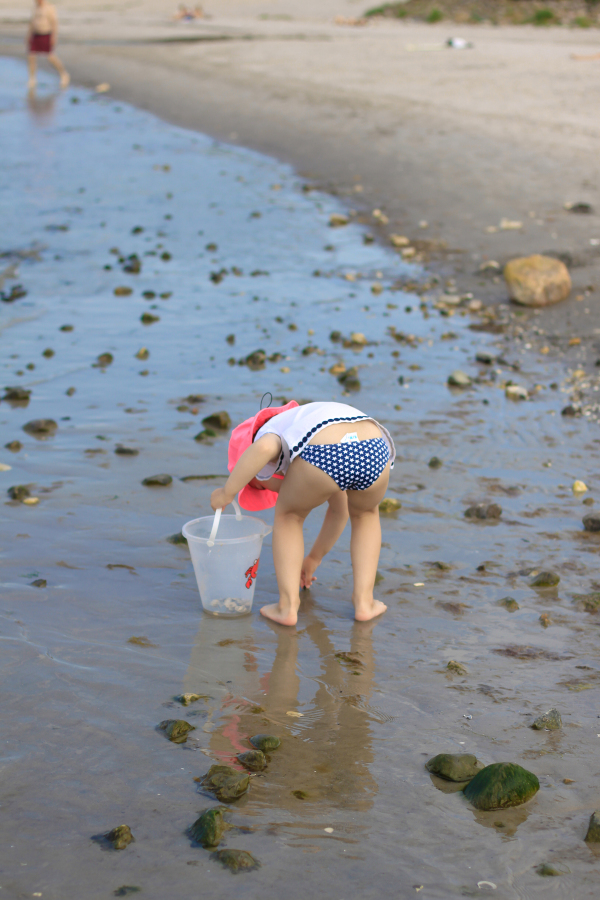 Advice and tips for a day trip for toddlers and children to Hornbaek, an adorable seaside beach town outside of Copenhagen, Denmark.
