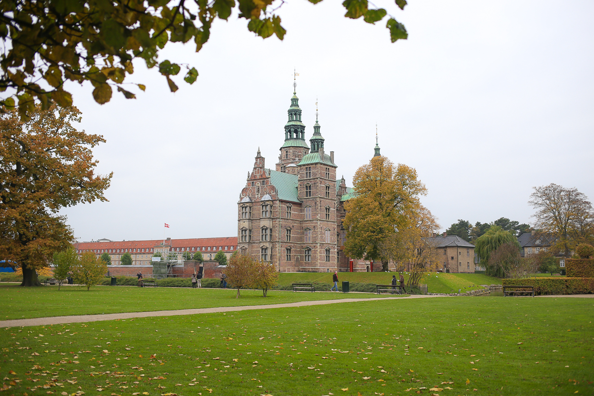 Walking through the gardens of Copenhagen's Kongen's Have, a must-see of any visitor or resident. Just goes to show, you don't have to go to forest school or have all the outdoor gear to get outside and have fun outside.